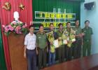 Giám đốc Công an tỉnh Bình Dương tặng giấy khen đột xuất cho 3 thành viên CLB Phòng chống tội phạm